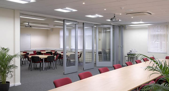 Acoustic Partitions – The Solution To Office Noise Pollution